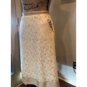 Lace Skirt w/pockets #shesdarlin!